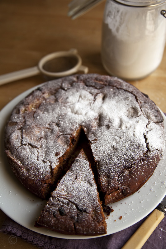 Food Rant and Gluten, Dairy, Egg and Sugar Free Banana and Date Cake